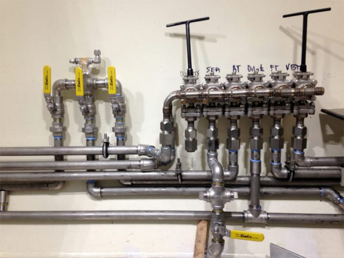 trim manifold